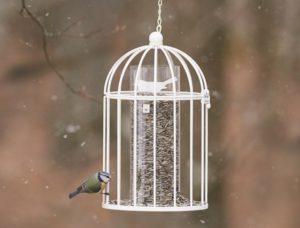 Fågelmatare-Romantic-Nelson-Garden1-1024x779